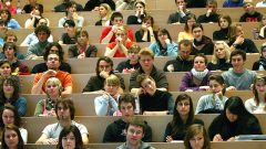 Öğrencilere Karşılıksız Yardım Parası Nasıl Alınır? Kimler Alabilir?